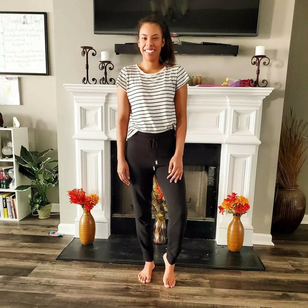 black jogger black white striped t shirt  loungewear outfit Aidensblog
